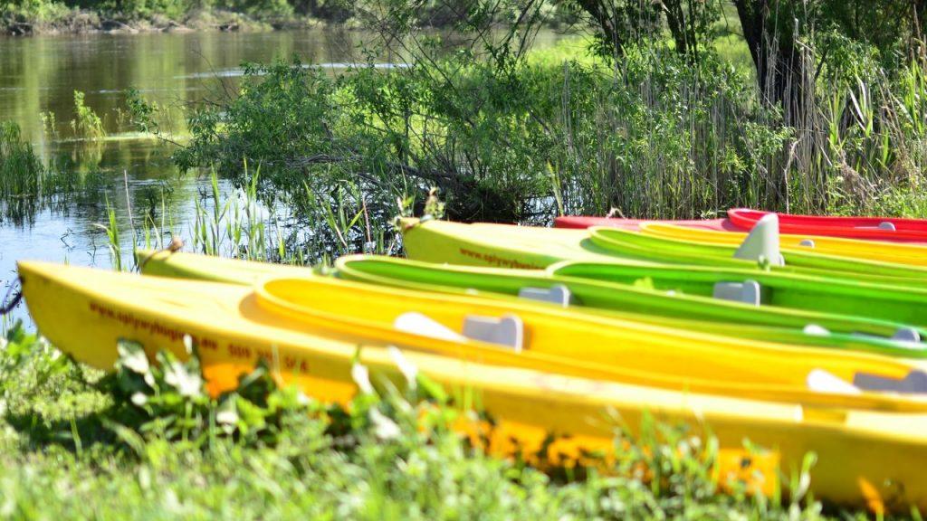 Obozy kajakowe na Bugu  Spływy kajakowe Bugiem