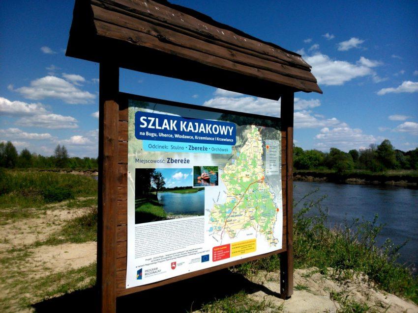 Tablica w Zbereżu szlak Kajakowy